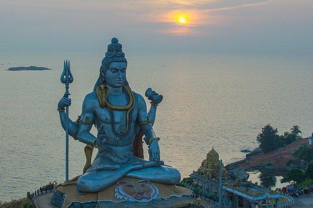Shiv Mantra इन मन्त्रों से शीघ्र प्रसन्न होते हैं भगवान शिव